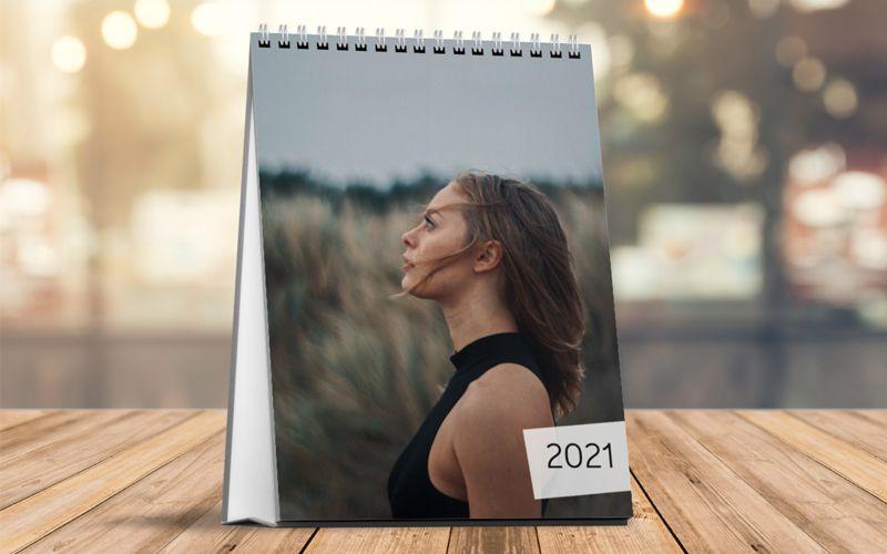 Calendario Da Tavolo Verticale Foto Piena